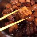 脂身も躊躇なく食べてしまう脂っこくない柔らか豚の角煮。