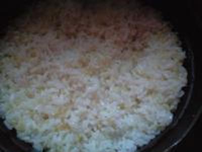 湯立てで白米(683)。。。茨城県産 奥久慈の棚田のコシヒカリ特別栽培米うまかっぺJA茨城みどり玄米(あいざわ米店)さて何でしょ???コシヒカリ白米(あいざわ米店)