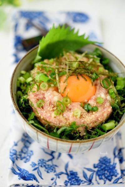 お豆腐ネギトロ丼~豆腐のうま煮青梗菜リース