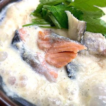 鮭アラの豆乳鍋