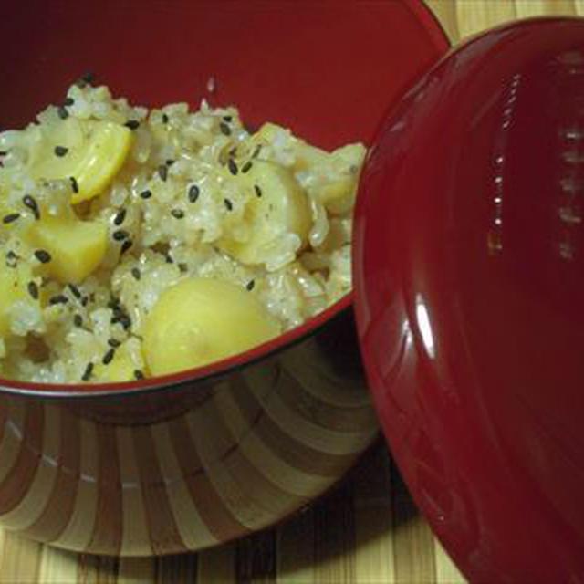 秋の味覚栗ご飯を玄米で味わう