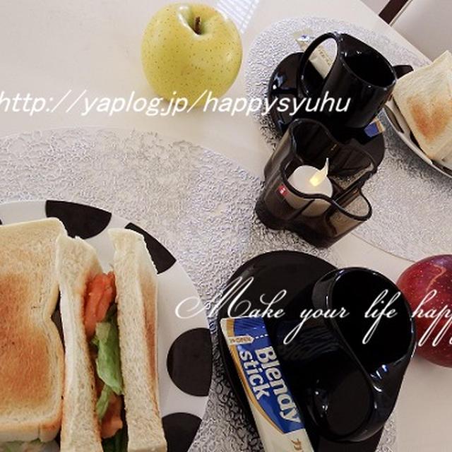 朝食&ランチに☆サーモンとレタスのサンドイッチ