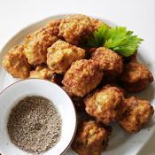 花椒塩で食べるフワフワ鶏肉揚げだんご