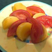 ジンジャードレッシングで柿とトマトのサラダ