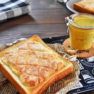 食パンに塗るだけ!簡単すぎる「メロンパントースト」はもう試した!?