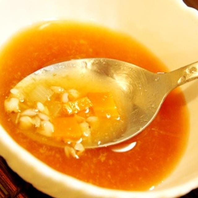 話題のえのき氷で、蕎麦の実とエノキ氷のミネストローネ、納豆とオクラのエノキ氷和え