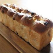 スリム食パン型でレーズンパン♪
