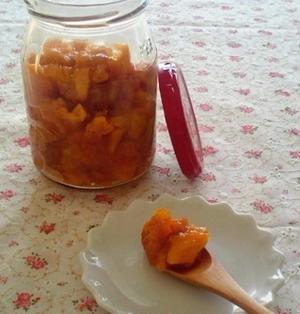 優しい甘さの柿ジャム
