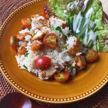 #今日のご飯 余った #唐揚げ で#簡単 #炒飯#おひとりさまランチ #家庭菜園 ...