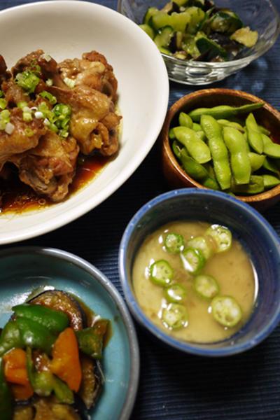 鶏手羽の黒酢煮と、残念な茶碗蒸しでうちごはん
