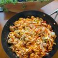 トマトとコンソメで作るイタリアン親子丼「ファミリア丼」