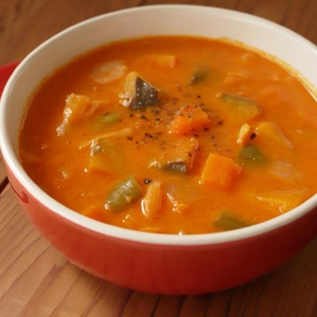 かぼちゃと彩り野菜のクリームミネストローネ