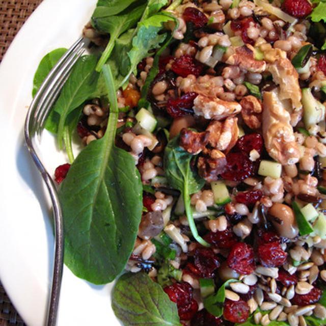 1皿でヘルシーな完全食を:カリフォルニア風雑穀サラダ