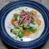 スープ仕立の豆乳味噌パスタ