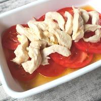 1分で完成!サラダチキンのアレンジレシピ。白だしトマトの超簡単サラダ