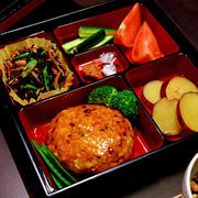 【JUNA夫さん夜弁】豆腐ハンバーグを中心に健康的な感じで→私と娘は盆ごはんに