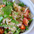 パクチーと春菊のグレインズサラダ