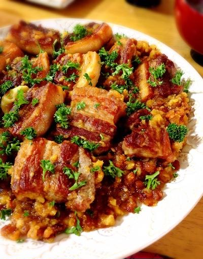 豚バラとレンズ豆の煮込み。
