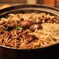 鶏団子入り!!キノコと白菜の生姜鍋