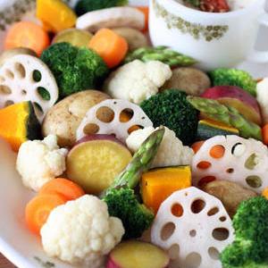 アレンジが楽しい♪いろんなソースで温野菜サラダを作ってみよう!