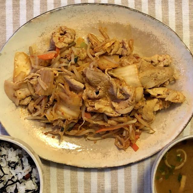【サボり飯】ご飯がすすむ!野菜パックでお手軽豚キムチ