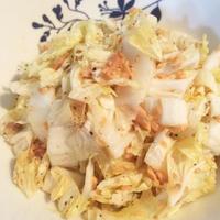 『簡単5分!白菜と鮭フレークの大人サラダ』