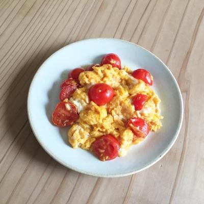 トマトと卵の炒めもの(蕃茄炒蛋)