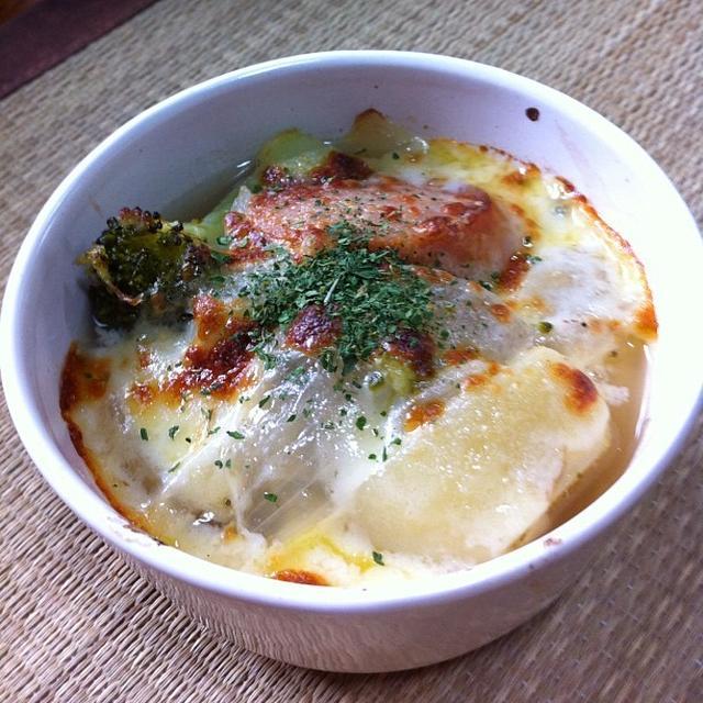 コンビニ・ジャンボフランクのポトフ風チーズ焼き