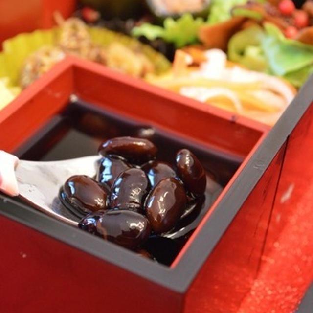 スロークッカーで黒豆。