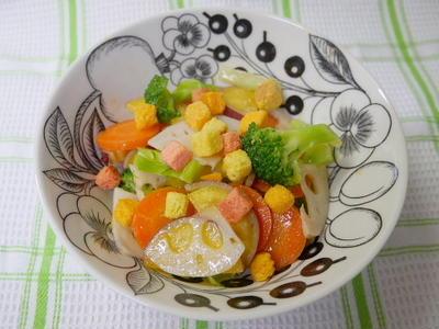 根菜とクルトンのサラダ