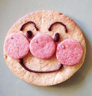初アンパンマンクッキー。
