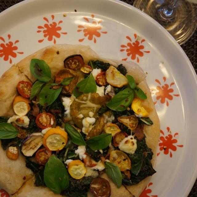 夏野菜とゴートチーズのピザ