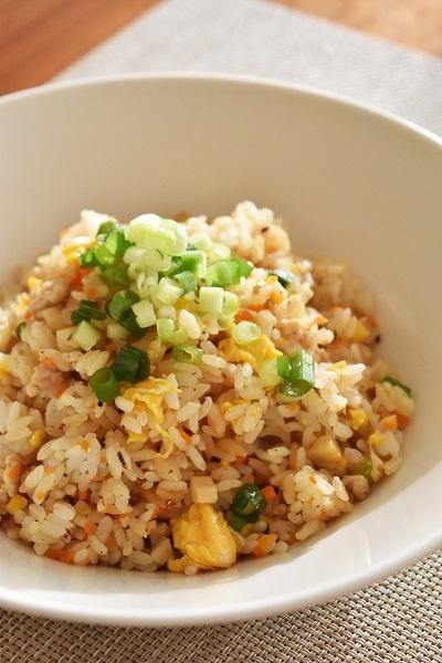 【ヤマキだし部】「根菜と鶏そぼろの和風チャーハン」