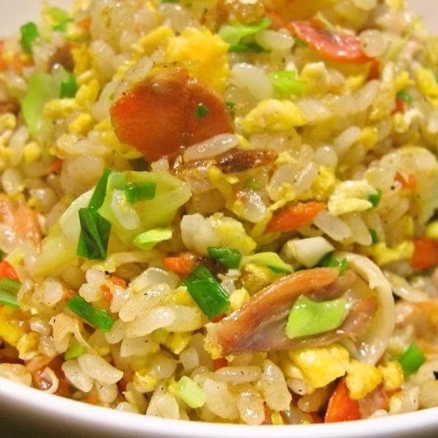 塩鮭の塩気をきかせた鮭の風味豊かな味わい! 鮭炒飯