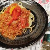 タイムとトマトが好相性!具が大きいミートソースのスパゲティ