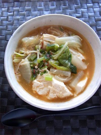 白菜と豆腐の辛みそ春雨スープ