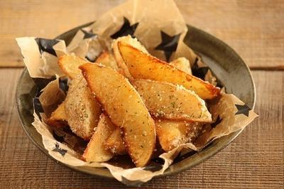 簡単・おつまみにも♪失敗しない皮付きフライドポテト(チリチーズ味)