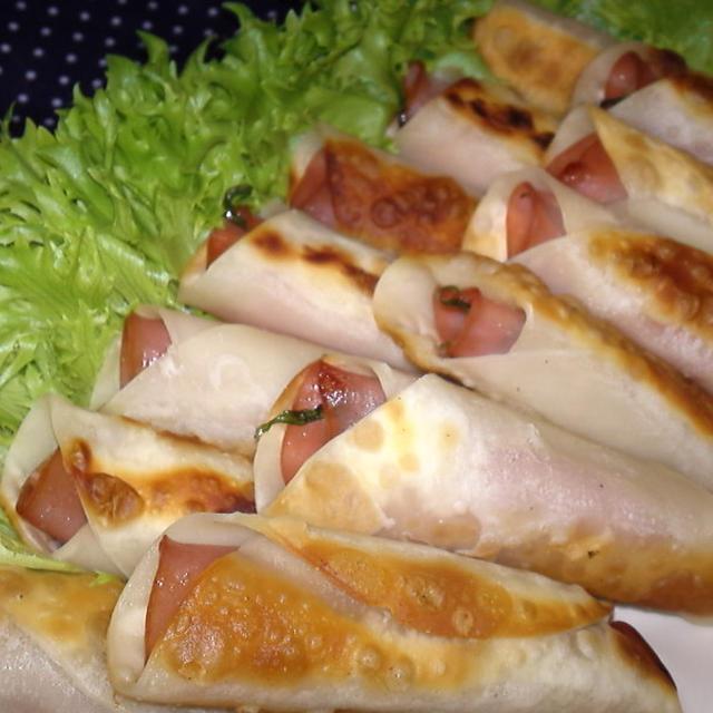 【レシピ】簡単!絶品!パリパリとろ~り!ハムチーズのロール餃子(^^♪