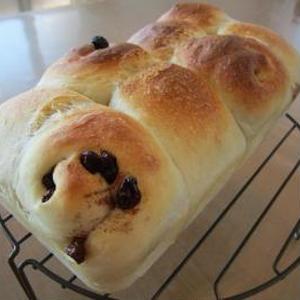 シナモンレーズン★黒糖粒ジャムのちぎりパン