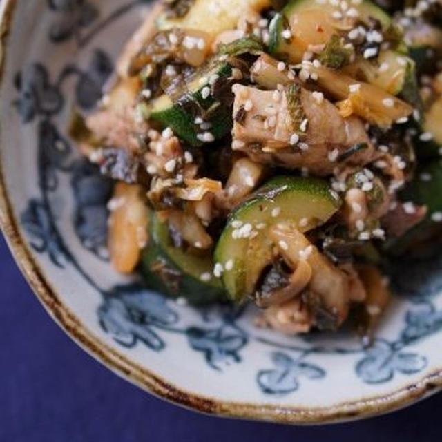 鶏肉とズッキーニのシソキムチ炒め
