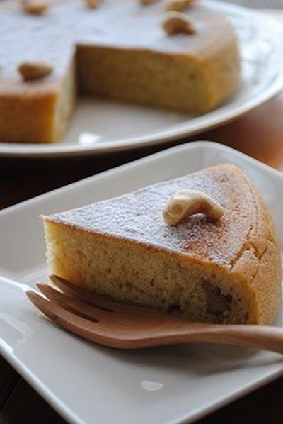 ホットケーキミックス×炊飯器で シナモン香る たっぷりナッツの バナナケーキ ☆