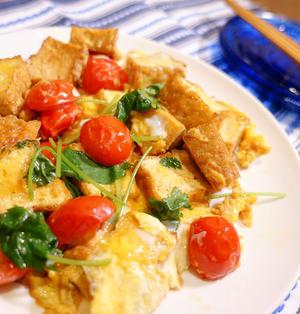 トマトの甘みに感動!半熟卵に悩殺!「厚揚げとトマトの卵とじ」