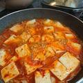 フライパンで簡単!豆腐チゲ。ツナ入りの韓国人気レシピ