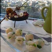 帆立と菜の花のしそ梅手まり寿司