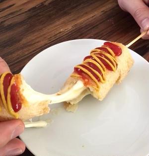 行列の味を食パンで再現!  チーズが伸び〜る「韓国ホットドッグ」の簡単レシピ