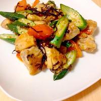 チキンと夏野菜のガーリック塩昆布炒め✨