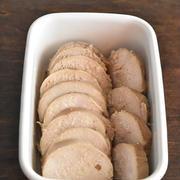 作り置きOK!炊飯器で しっとり♪鶏胸肉の簡単チャーシュー