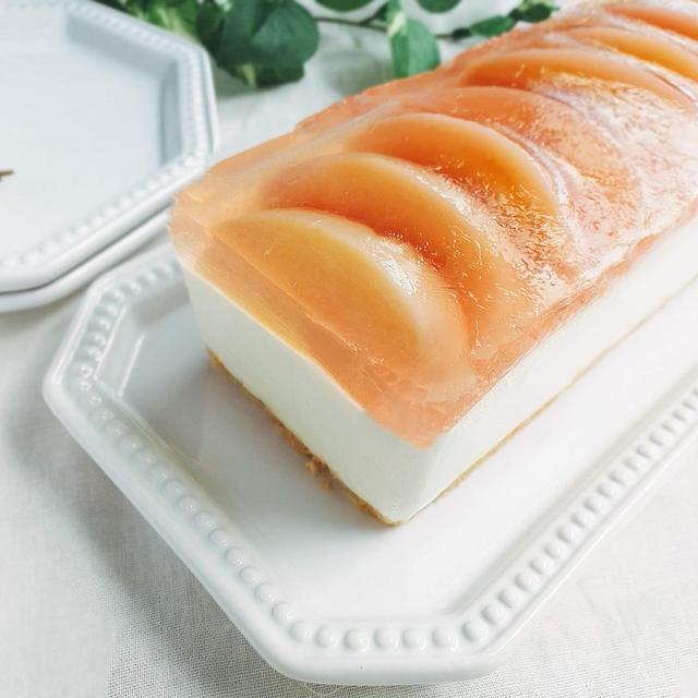 おしゃれな2層ケーキ!パウンド型で桃のレアチーズケーキレシピ
