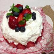 ホットケーキミックスで簡単イチゴのデコレーションケーキ