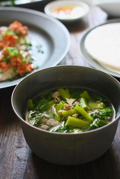 ベトナム風 豚挽肉とつるむらさきのスープ